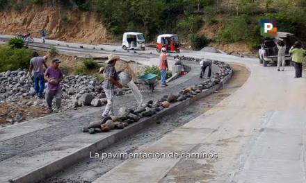 La meta para este año es construir mil 173.4 kilómetros del Programa Pavimentación de Caminos a Cabeceras Municipales